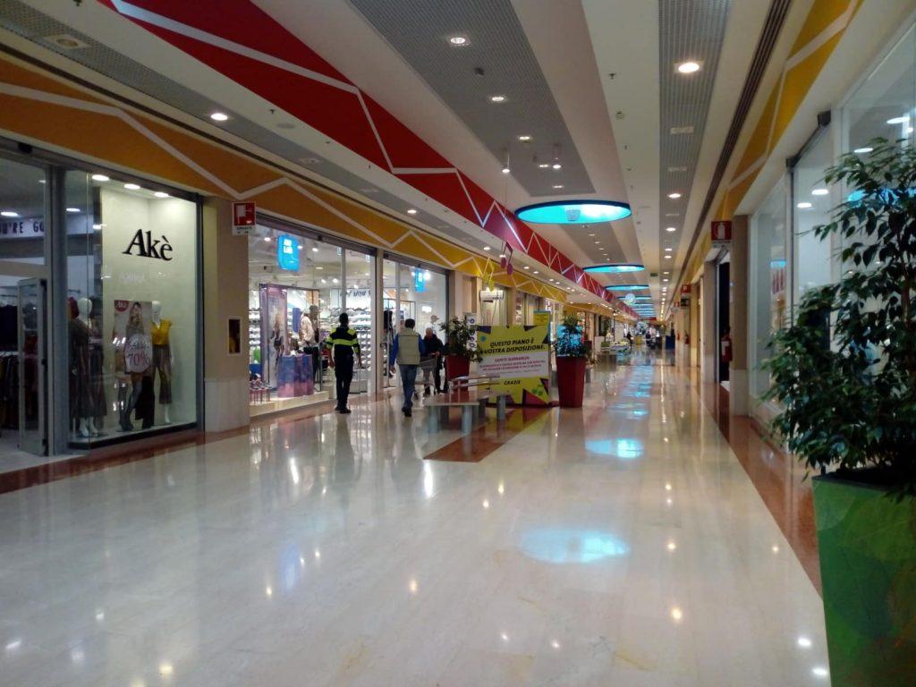 Negozi Centro Commerciale Auchan Mesagne